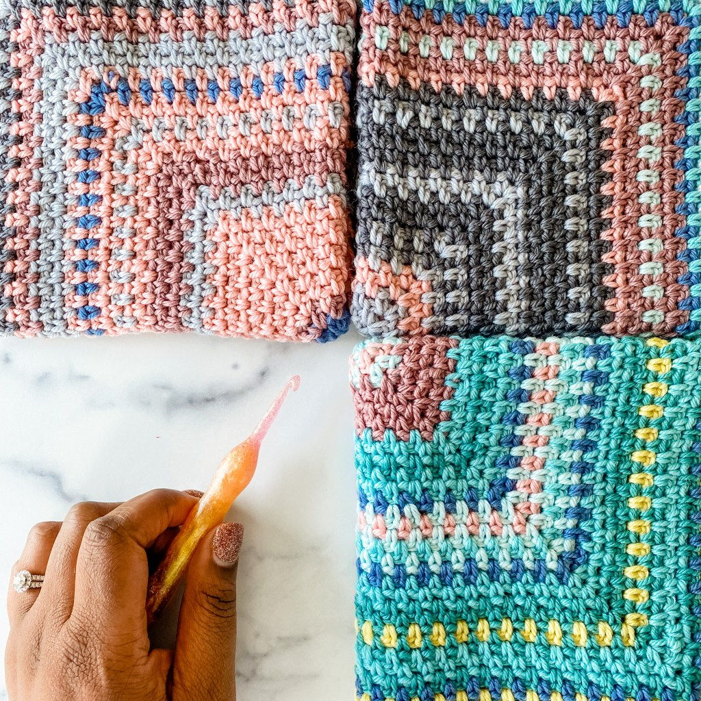How to crochet the linen stitch square - crochet tutorial video and written instructions. Crochet beginner friendly with helpful video tutorial. | TLYCBlog.com