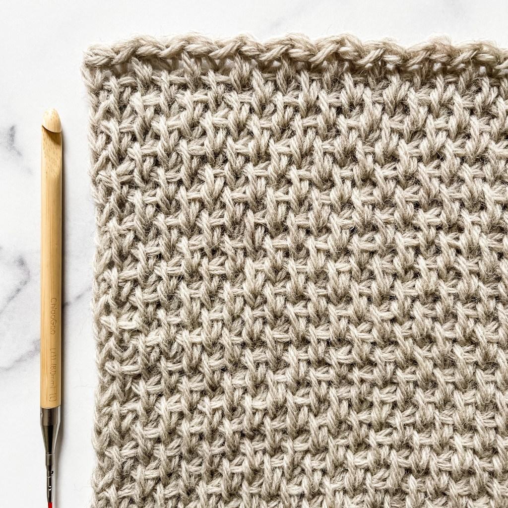 Tunisian crochet chill square for the 2021 Tunisian Blanket CAL. -free batter, beginner friendly | TLYCBlog.com