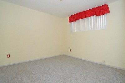 3rd bedroom before we moved in