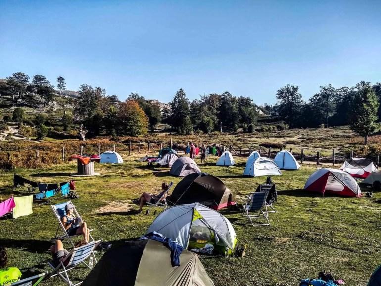 Tents outside the Refuge de Matalza