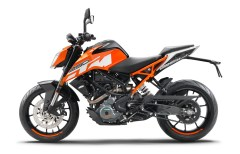159737_ktm-duke-250-90-degree-left-my-2017-studio
