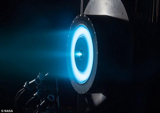 НАСА починає випробування нової електричної рухової установки, яка зможе доставити людину на Марс