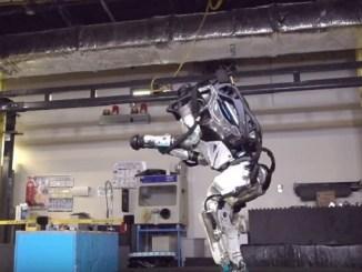 небезпеку штучного інтелекту