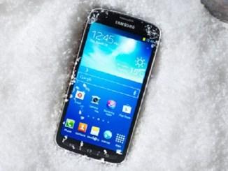 Як захистити телефон взимку