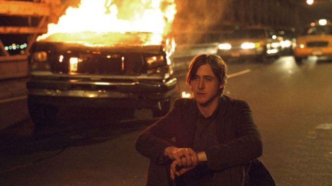 Залишся США, детективний трилер, 2005
