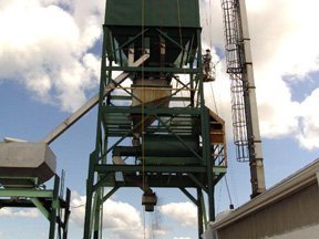 Cleaning And Recoating Extends Usage Of A Co-Op Fertilizer Tower