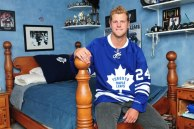 Maple Leafs Sign Peter Holland to 1 Year Contract