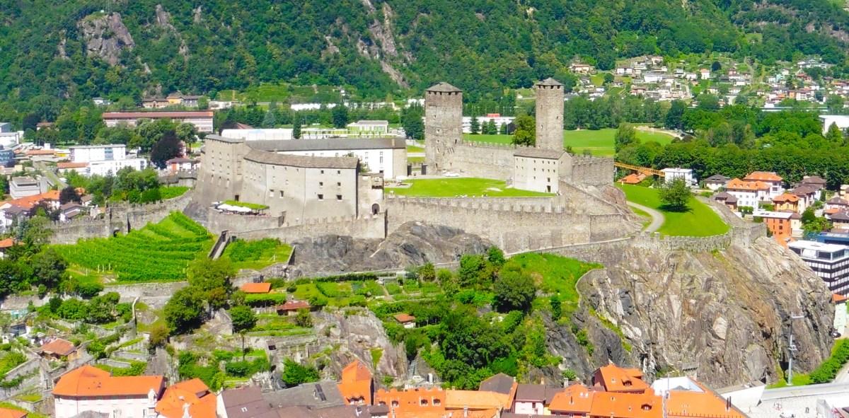 貝林佐納 Castle Grande