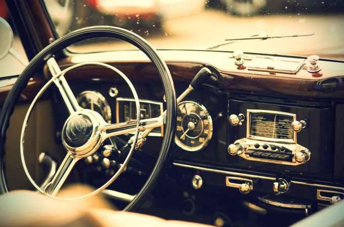 高齡駕駛 令人膽戰心驚,老人家堅持開車怎麼辦?