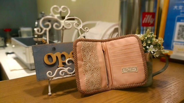 Amy Sewing Cafe的拼布手作護照夾內面