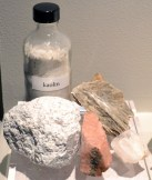 Early Chinese hard-paste recipe: kaolin, feldspar (pink), mica (golden) and quartz