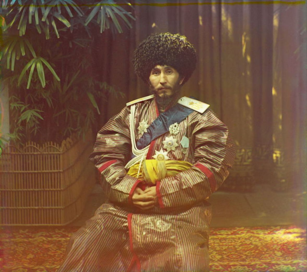 Prokudin-Gorskii, Sergei Mikhailovich. Khan of Khorezm (Khiva) Isfandiyar Jurji Bahadur, 1906-1911. 1 negative (3 frames) : glass, b&w, three-color separation. Library of Congress, Prokudin-Gorskii Collection.