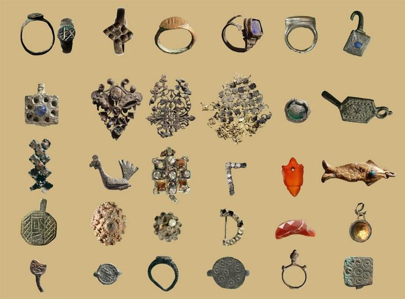 אוסף תכשיטים מתקופות שונות