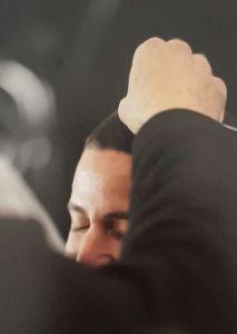 הנחת האפר על ראש החתן (מחתונה תמר ואוהד טל)