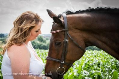 Love_girl_horse