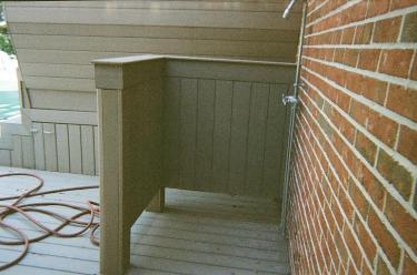 28-outdoor-deck-shower