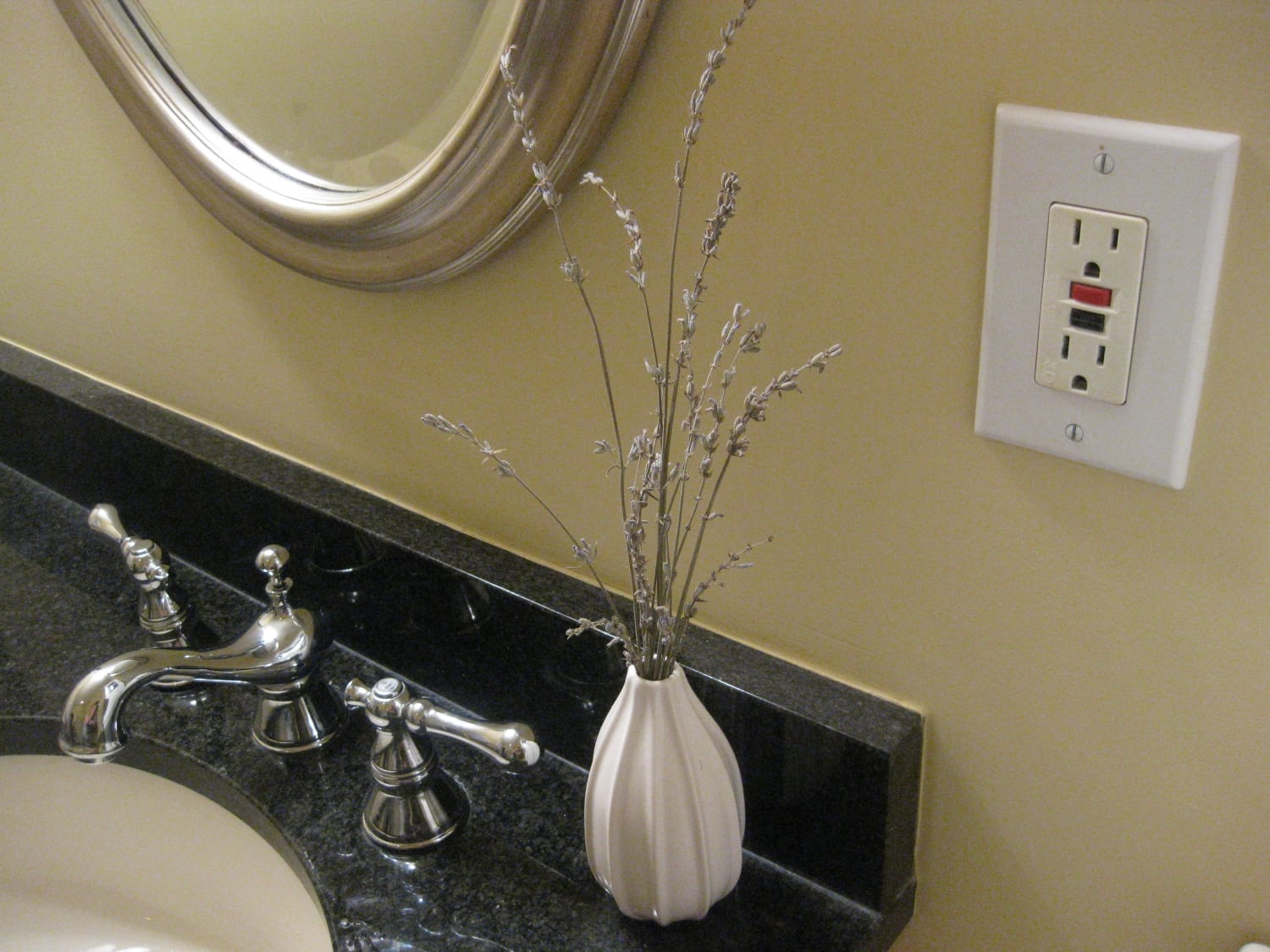 Bathroom Electrical Outlet Are You Grounded Gfci Outlets Can Help Tennessee Electric