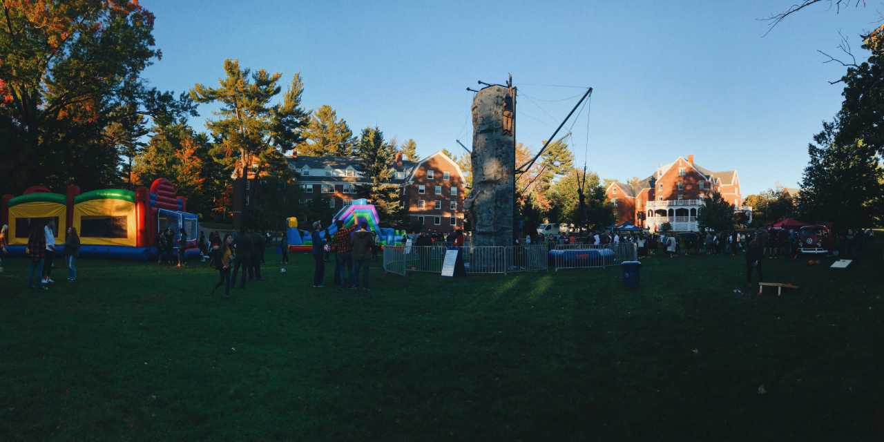 UNH Kicks off Homecoming with Fair and Parade