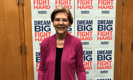 Elizabeth Warren stops in Durham on campaign tour
