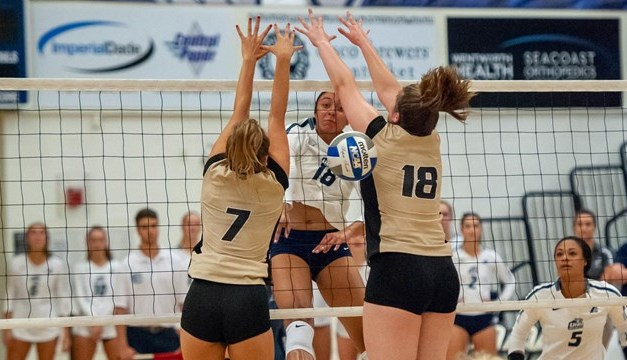 UNH opens season with split at UAlbany