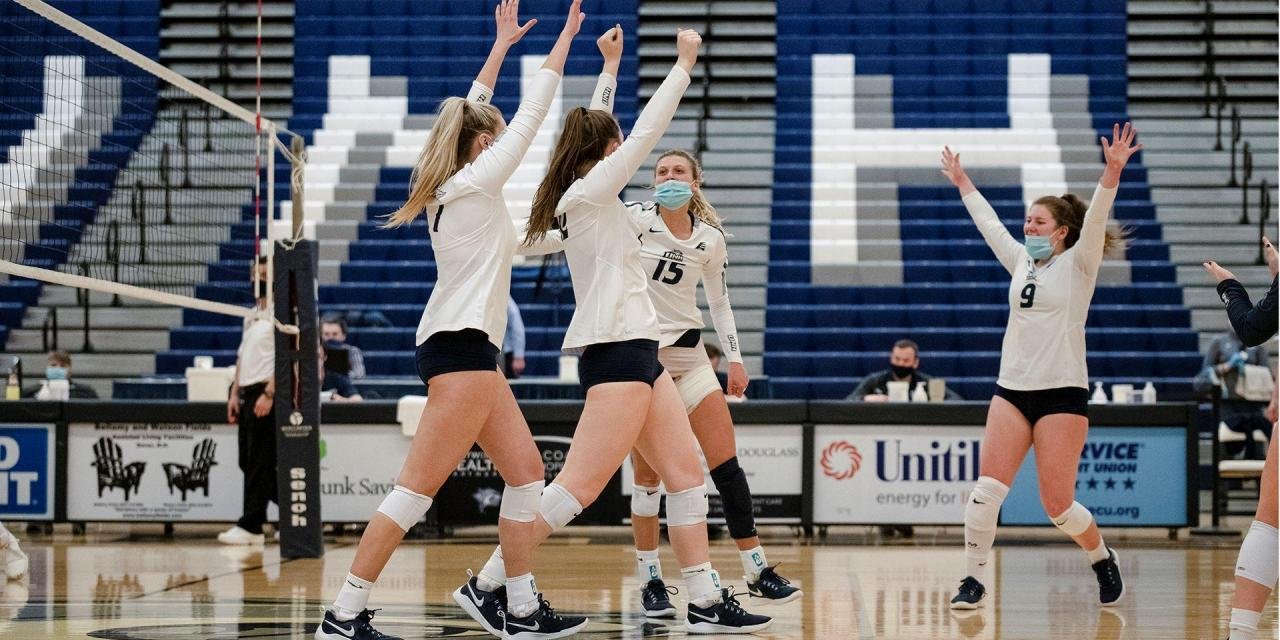 Wildcats sweep NJIT on senior day