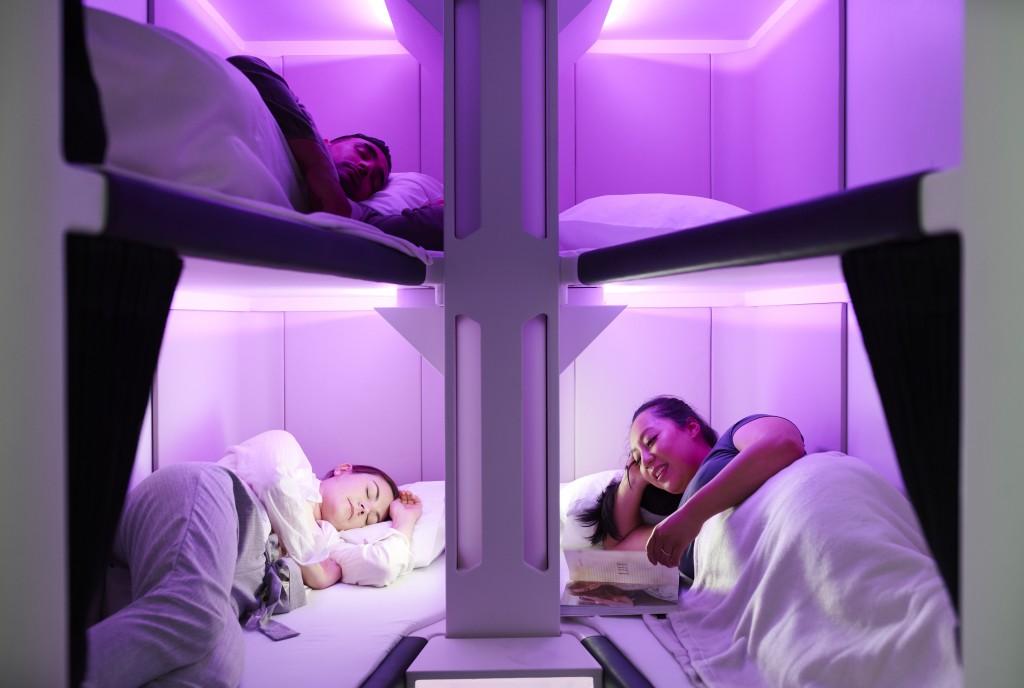 紐航顛覆經濟艙飛行體驗 搭飛機也能「平躺」睡覺   臺灣英文新聞