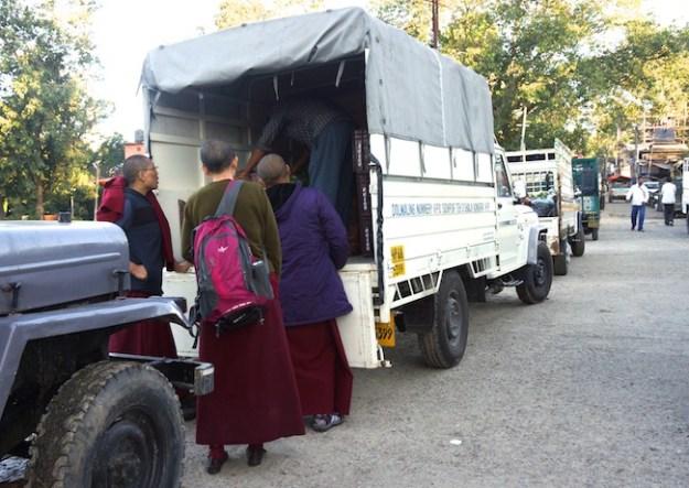 Tibetan Nuns Project, Dolma Ling Nunnery, nuns, Tibetan nuns, Buddhist nuns, shopping