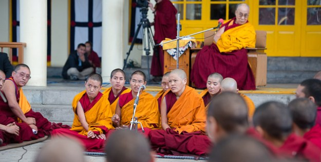 Tibetan Nuns, Buddhist nuns, debate, Buddhist Tibet, Dalai Lama, Dharamsala, Tibetan Nuns Project