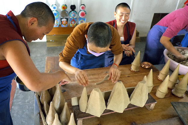 Tibetan nuns, pujas, Tibetan Nuns Project