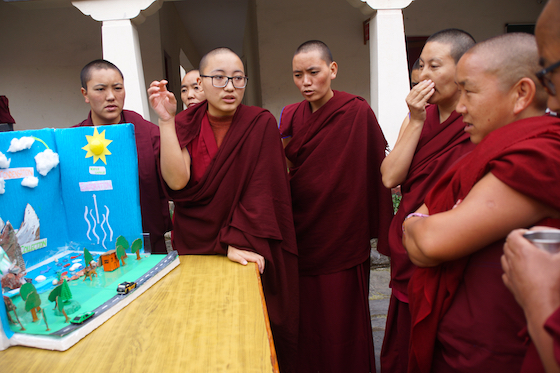 Tibetan Buddhist nuns take part in Dolma Ling science fair