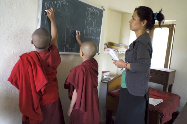 Tibetan Nuns, Tibetan Nuns Project, Tibetan education, Tibetan culture, what Tibetan Buddhist nuns learn, Tilokpur Nunnery