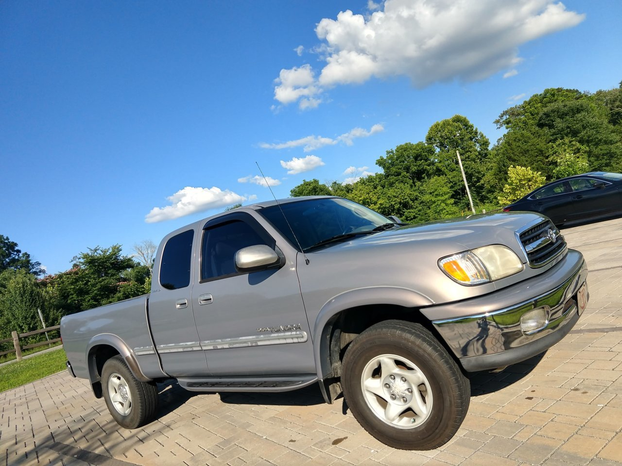 hight resolution of 2000 tundra with high miles