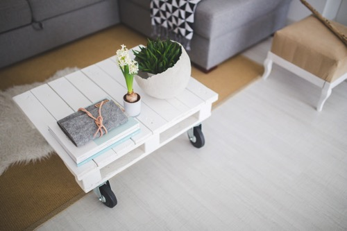 Kaboompics com Little white coffee table