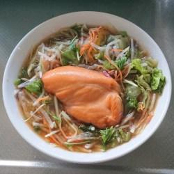 カット野菜+サラダチキンスモーク+だし麺生姜醤油