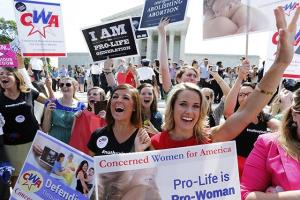 anti-abortion-activists-hobby-lobby_main