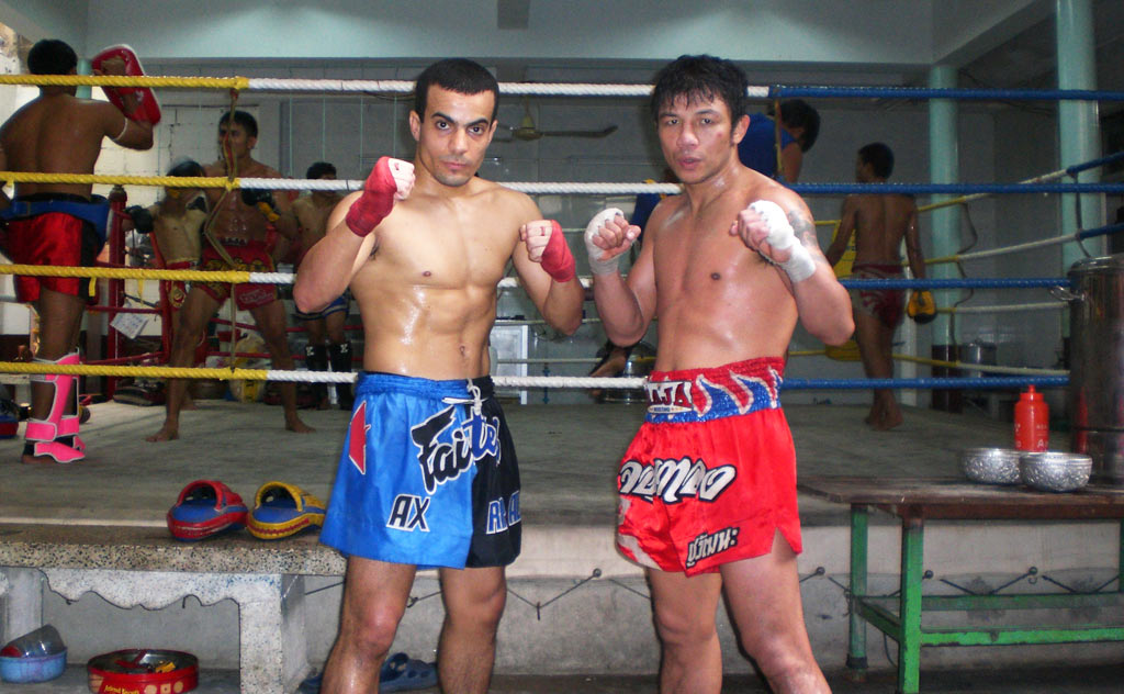 Learn Muay Thai in Thailand. Boxers training at gym
