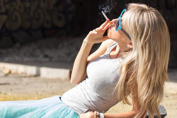 Massachusetts Raises Tobacco Buying Age to 21