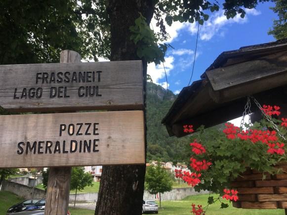 Signs for Pozze Smeraldine