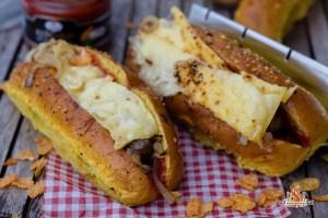 Zwiebel Käse Hotdog vom Over Fired Broiler