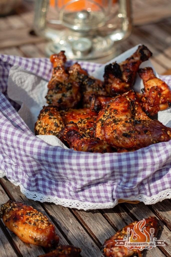 Umami BBQ Chicken Wings vom Holzkohlegrill