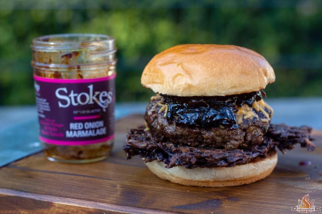 Wenn Ihr auch der Meinung seid, dass Burger immer gehen, müsst Ihr unbedingt den Rösti Burger von der Feuerplatte ausprobieren. Schnell und sogar mit selbst gemachten Hackfleisch zubereitet.