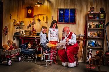 SantasWorkshoppe-03