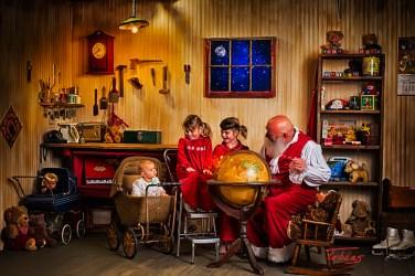 SantasWorkshoppe-05