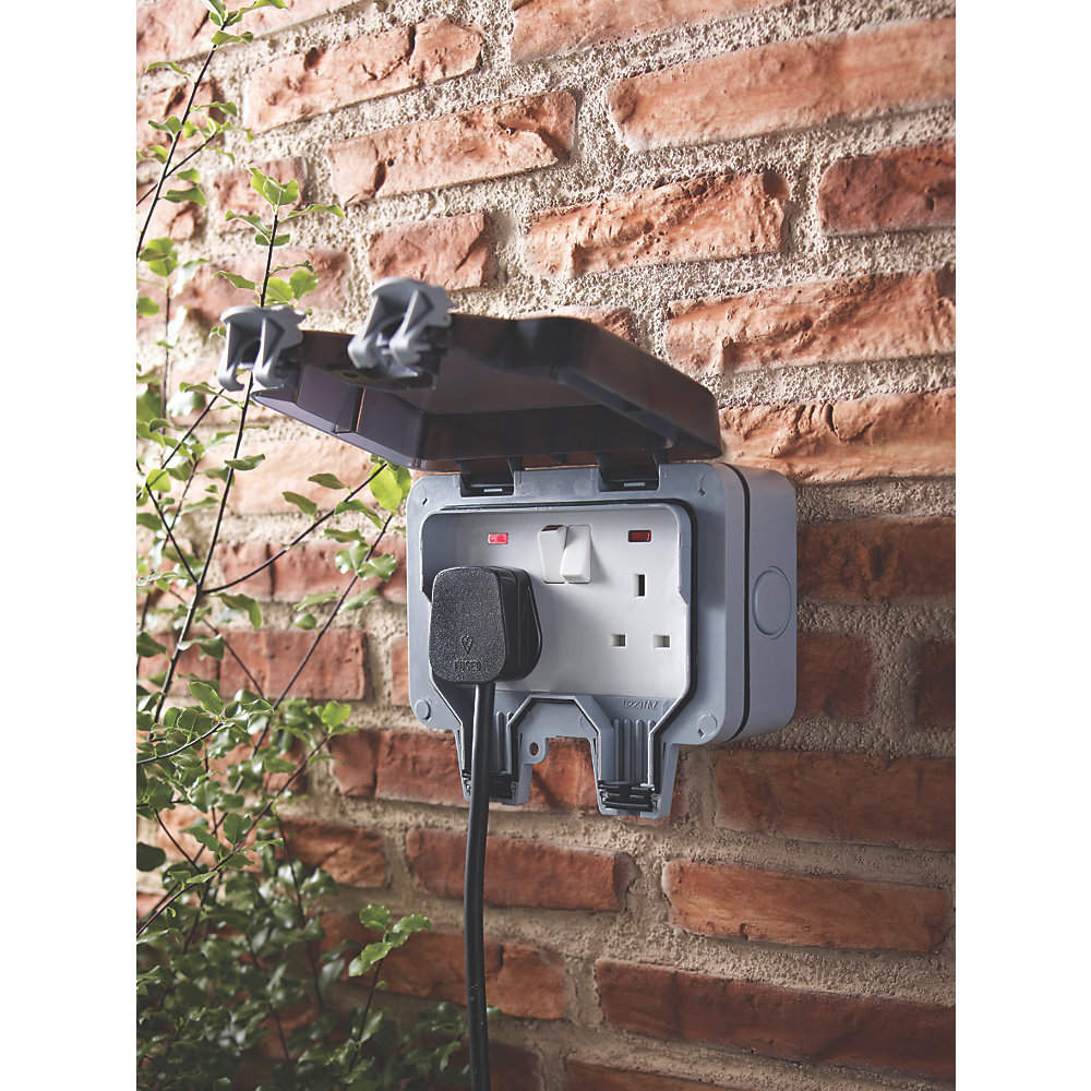 Outdoor Electrical Outlet Wiring Moreover How To Wire A Double Pole