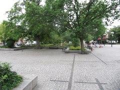 Podobał mi się rynek. Miał plac na imprezy, otwartą przestrzeń, miał też zaciszne miejsca z ładną zielenią.