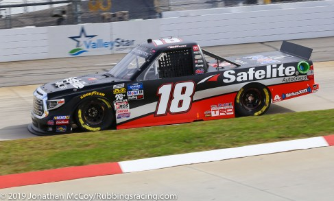 Harrison Burton's No. 18 Safelite Toyota Tundra (Photo Credit: Jonathan McCoy / RubbingsRacing.com)
