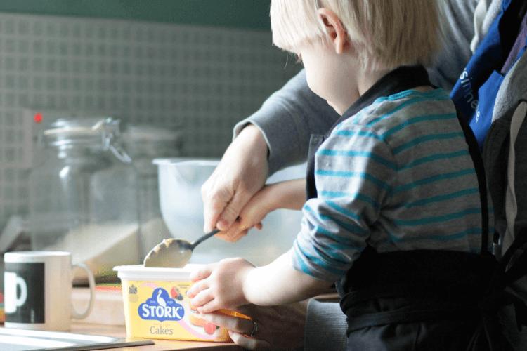 baking with mummy