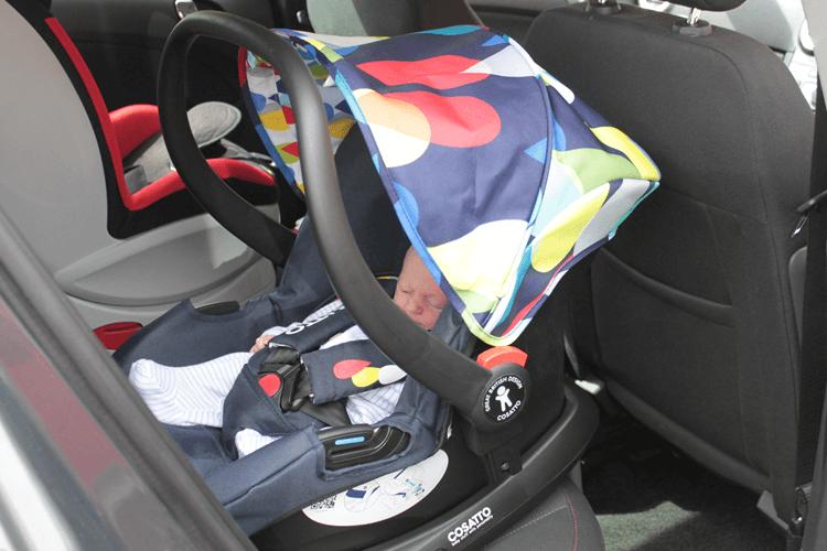 Hold car seat on isofix base
