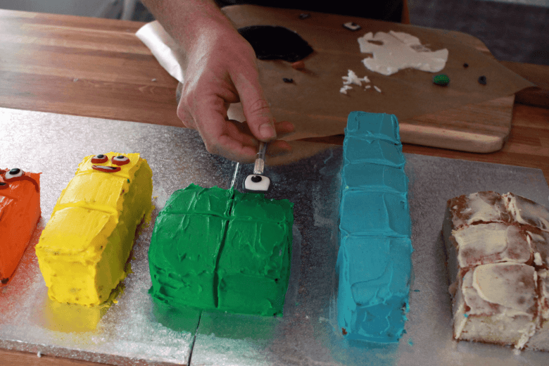 Putting the features on the cakes