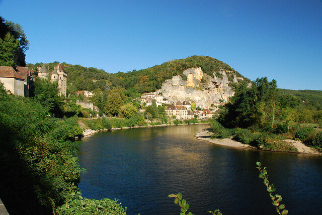 The Dordogne river in France - Planning a family villa holiday in France